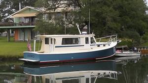 Used Duffy Downeast Hardtop River Cruiser Boat For Sale