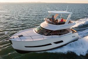 New Carver C40 Command Bridge Motor Yacht For Sale
