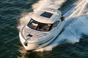 New Carver C37 Coupe Motor Yacht For Sale