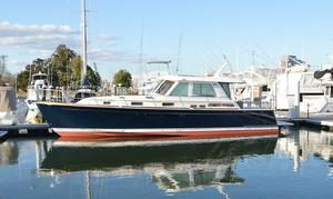 New Sabre Yachts 48 Salon Express River Cruiser Boat For Sale
