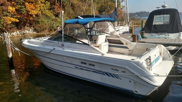 Used Sea Ray Weekender 300 Sports Cruiser Boat For Sale