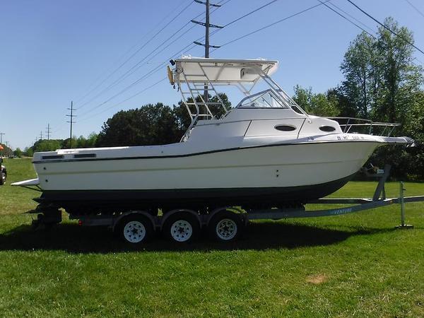 Used Sea Sport WA 2744 Sports Fishing Boat For Sale