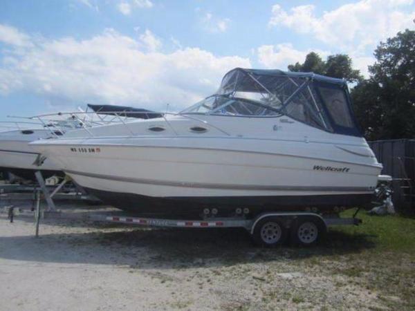 New Wellcraft 2400 Martinique Cruiser Boat For Sale