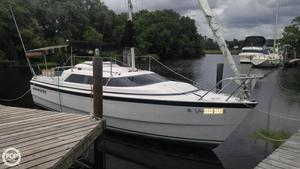 Used Macgregor 26 Racer and Cruiser Sailboat For Sale