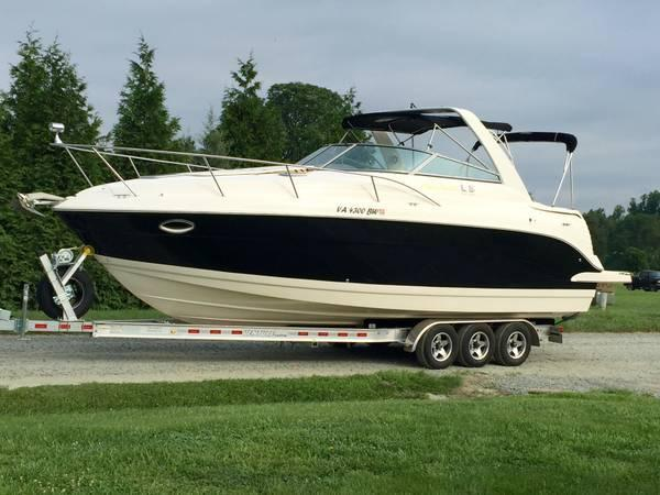 Used Rinker Fiesta Vee 300 - Fresh Water Only Express Cruiser Boat For Sale