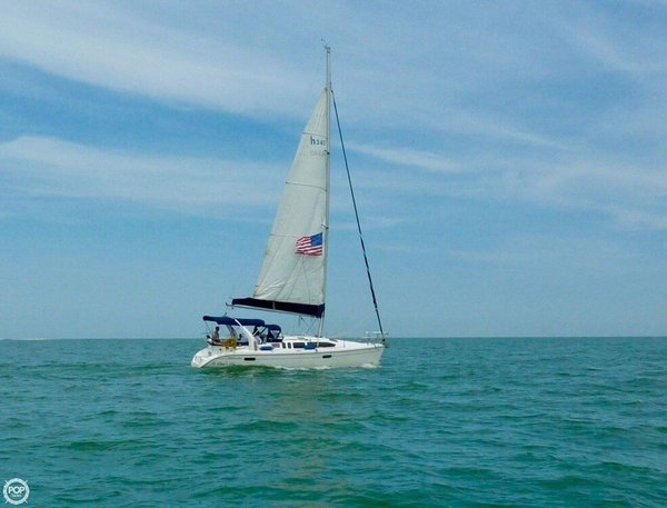 Used Hunter 340 Racer and Cruiser Sailboat For Sale