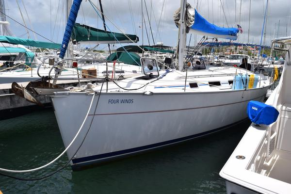 Used Beneteau Cyclades 39 Cruiser Sailboat For Sale