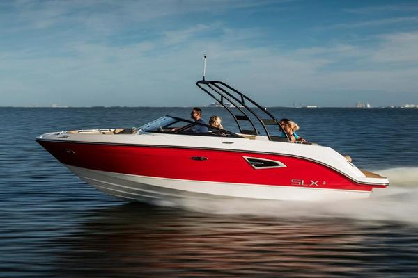 New Sea Ray SLX 230 Bowrider Boat For Sale