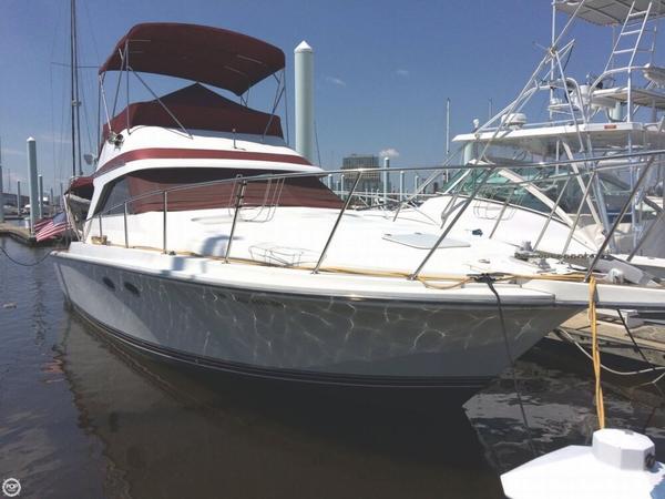 Used Trojan International 10 Meter Sedan Sports Fishing Boat For Sale