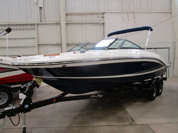 New Sea Ray 21 SPX21 SPX Ski and Wakeboard Boat For Sale