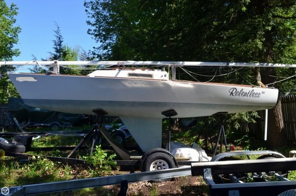 Used J Boats J/22 Daysailer Sailboat For Sale