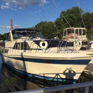 Used Chris-Craft Catalina 381 Double Cabin Motor Yacht For Sale