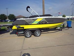New Four Winns Bowrider Boat For Sale