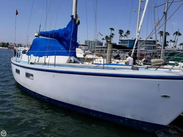 Used Coronado 40 Racer and Cruiser Sailboat For Sale