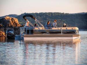 New Regency Pontoon Boat For Sale