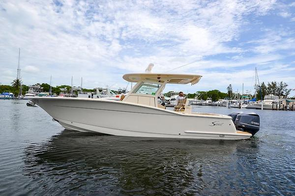 Used Scout Boats 300 LXF Center Console Fishing Boat For Sale