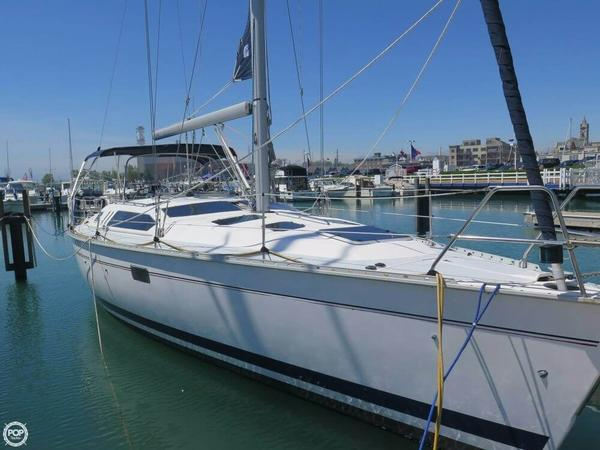 Used Hunter 40.5 Legend Racer and Cruiser Sailboat For Sale