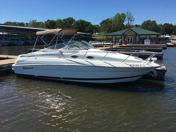 Used Wellcraft Martinique 2600 Cruiser Boat For Sale