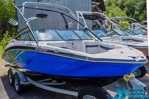 Used Yamaha 212X Runabout Boat For Sale
