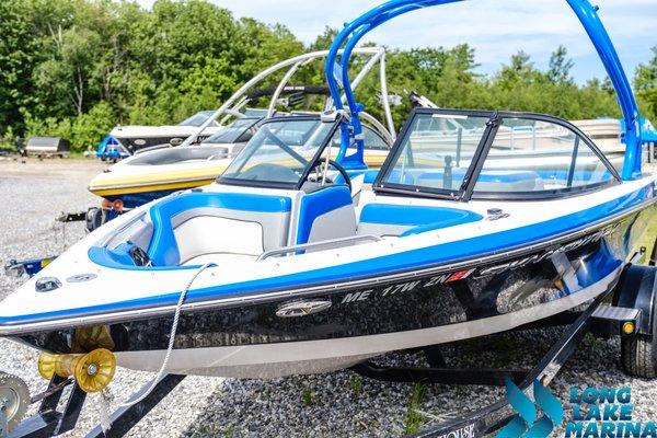 Used Nautique Ski Nautique 200 Open Bow Ski and Wakeboard Boat For Sale