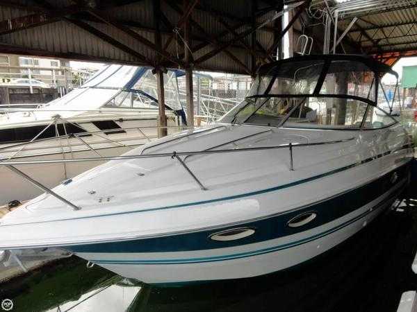 Used Chris-Craft Crowne 26 Express Cruiser Boat For Sale