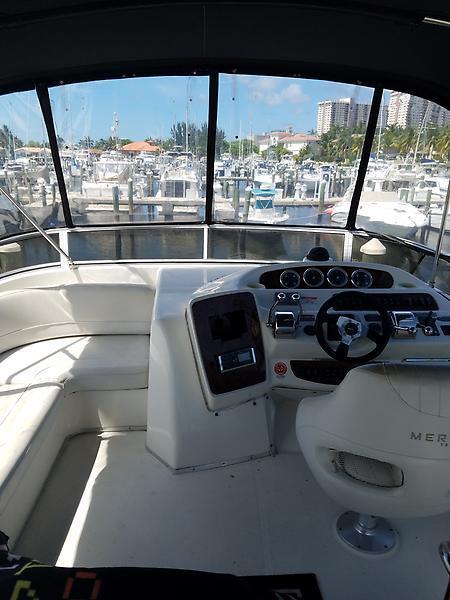 2005 Used Meridian 381 Sedan Motor Yacht For Sale
