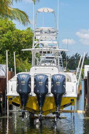 Used Sea Vee 390 Center Console Fishing Boat For Sale