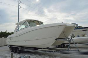 New World Cat 320DC Dual Console Power Catamaran Boat For Sale