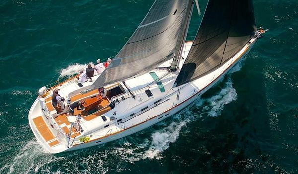 Used Beneteau 523 Racer and Cruiser Sailboat For Sale