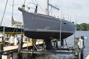 Used Beneteau 37 Racer and Cruiser Sailboat For Sale