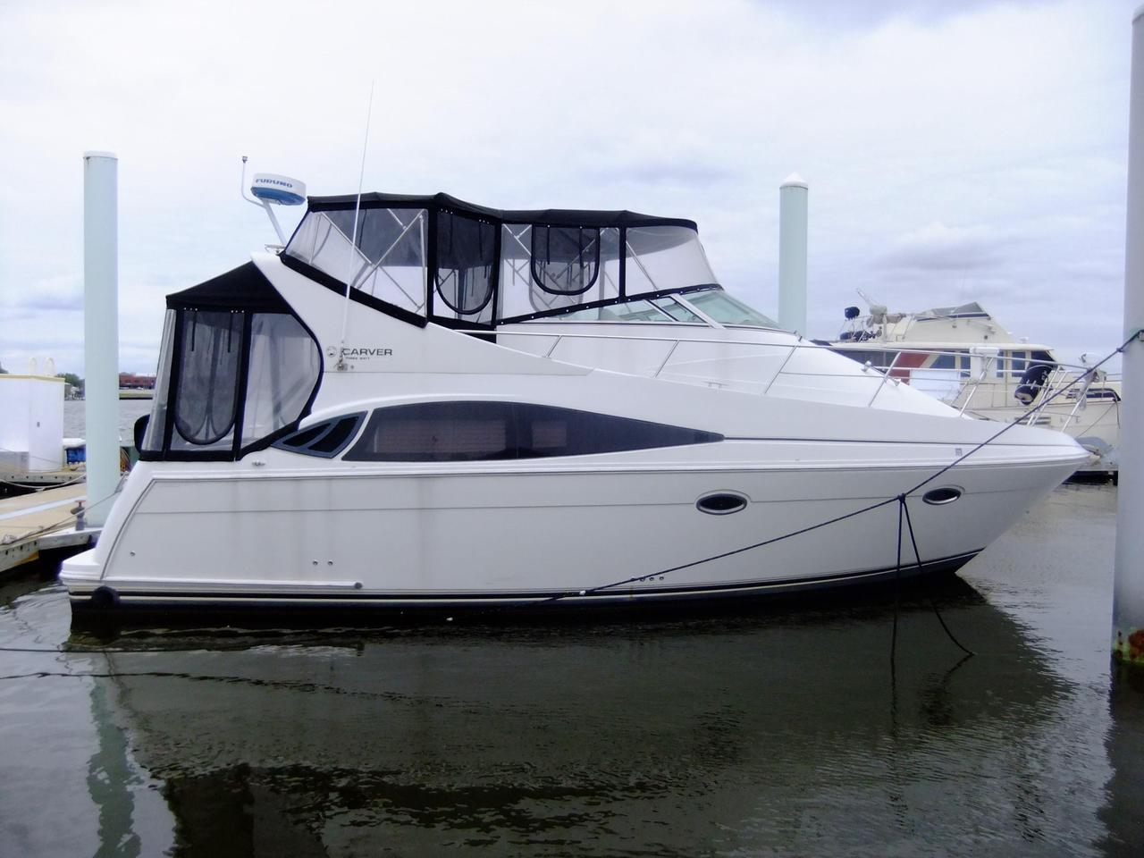 2004 Used Carver Yachts Mariner Motor Yacht For Sale