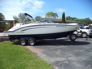 Used Chaparral 246 SSi Ski and Wakeboard Boat For Sale
