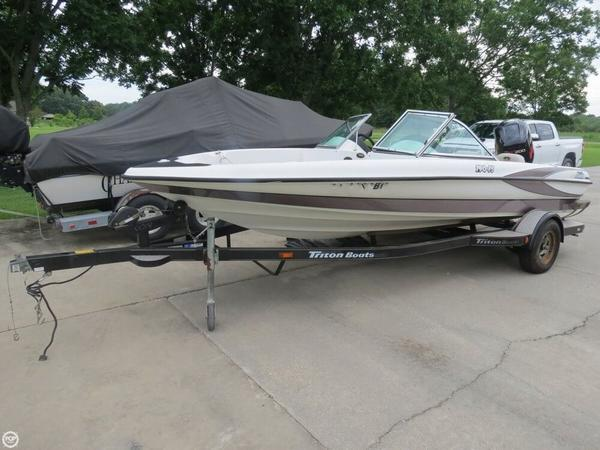 Used Triton 190-FS Bass Boat For Sale