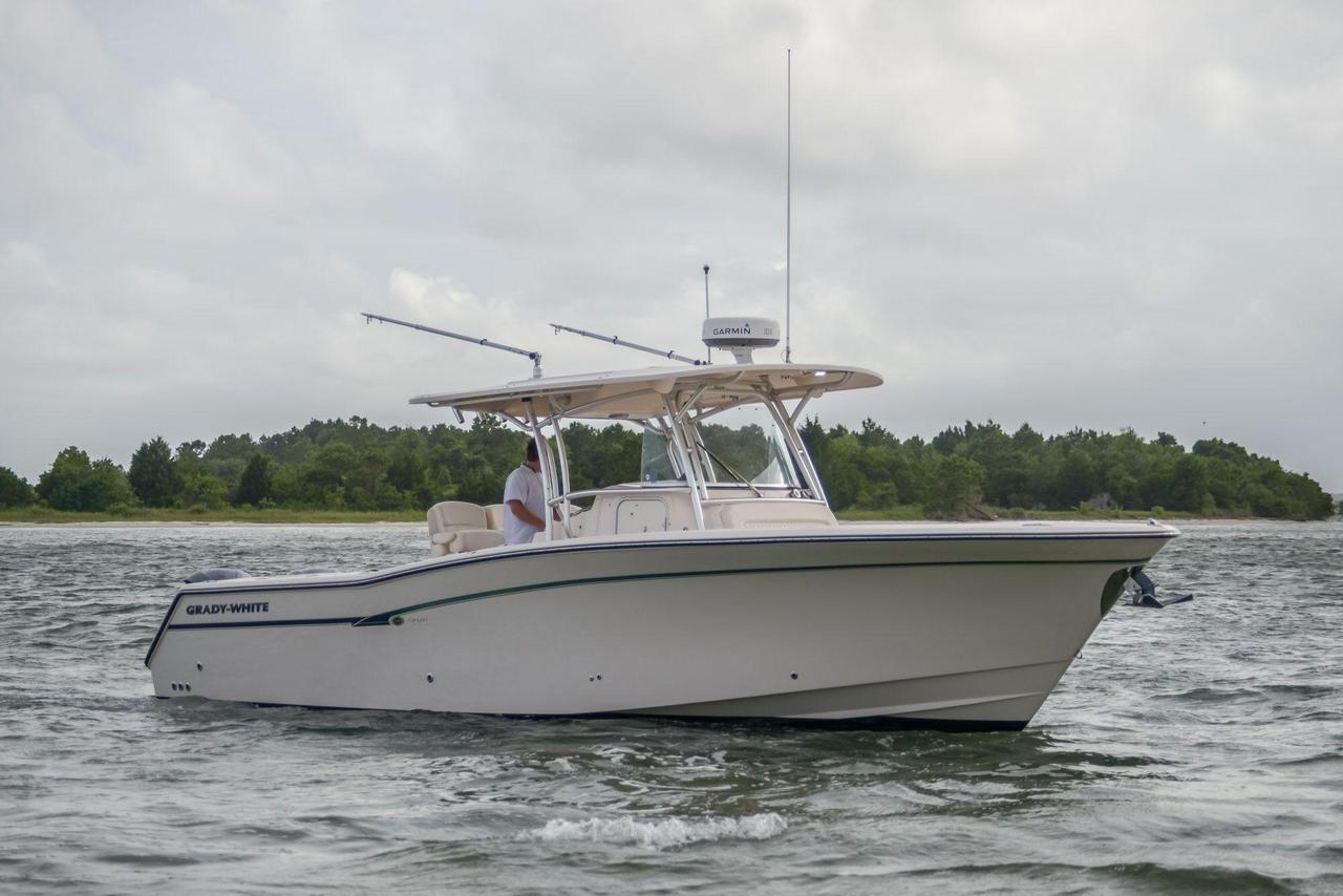 2013 used grady white canyon 336 saltwater fishing boat for Offshore fishing boats for sale