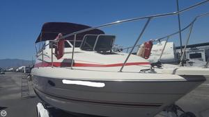Used Maxum 2500 SCR Express Cruiser Boat For Sale