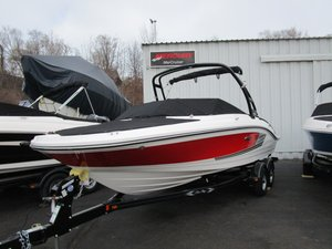 Used Sea Ray 21 SPX Ski and Wakeboard Boat For Sale