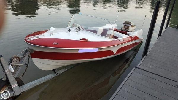 Used Larson Thunderhawk Antique and Classic Boat For Sale
