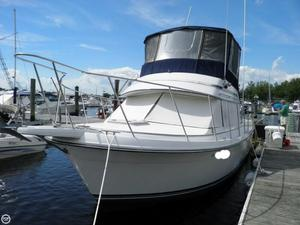 Used Carver 2897 Mariner Cruiser Boat For Sale