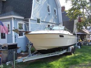 Used Regal Royal 25LF Cruiser Boat For Sale