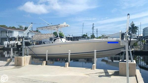 Used Avanti 30 Center Console Fishing Boat For Sale