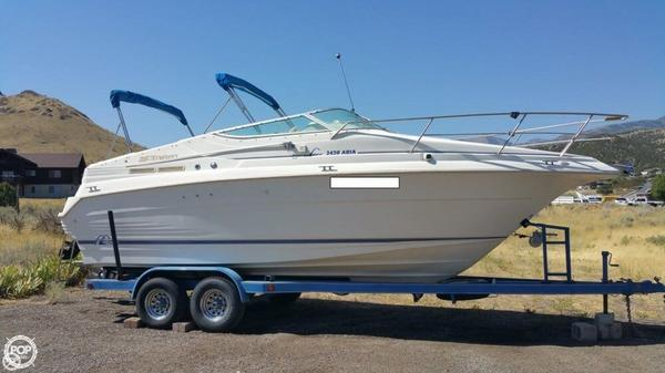 Used Cruisers Yachts 2420 Aria Express Cruiser Boat For Sale