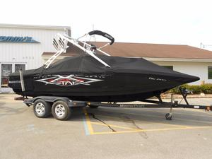 Used Mastercraft XStar Runabout Boat For Sale