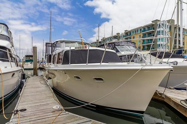 Used Hatteras 41 Double Cabin Motor Yacht For Sale