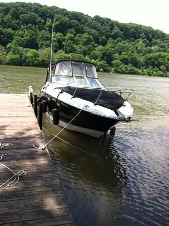 Used Crownline 250CR (SRG) Express Cruiser Boat For Sale
