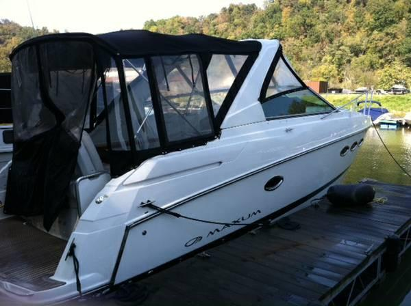 Used Maxum 2900 SCR (SRG) Express Cruiser Boat For Sale