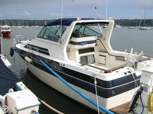 Used Cruisers Yachts 296 Avanti Vee Express Cruiser Boat For Sale