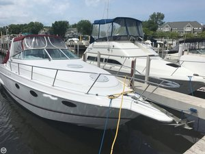 Used Chris-Craft Crown 302 Express Cruiser Boat For Sale