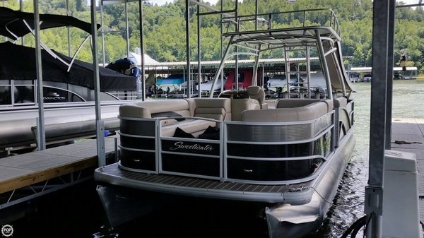 Used Sweetwater SWPE 240 SD Pontoon Boat For Sale