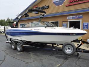 Used Malibu Boats Sunscape 21 Ski and Wakeboard Boat For Sale
