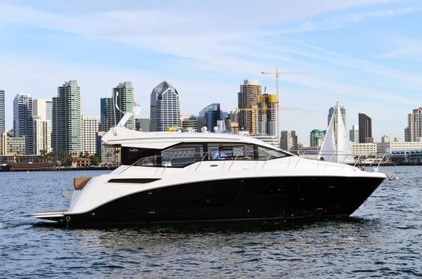 New Sea Ray Sport Sundancer 460 Motor Yacht For Sale